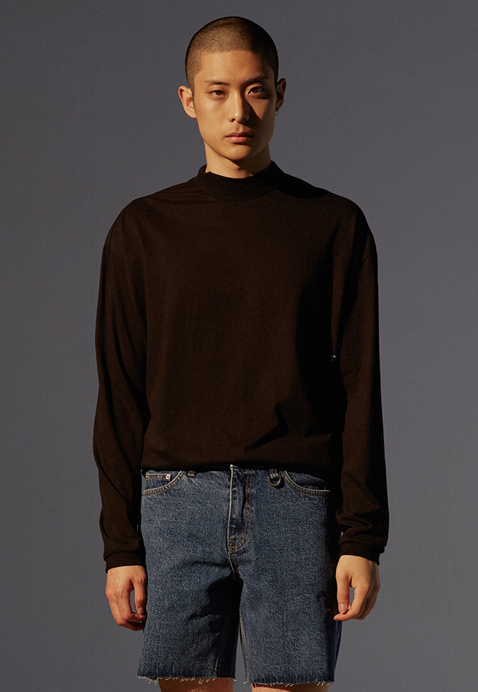 Signature Mock-Neck Long Sleeve_ Black