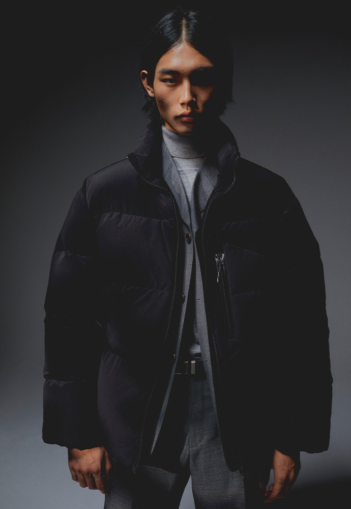 Signature Reversible Goose Down Jacket_ Black
