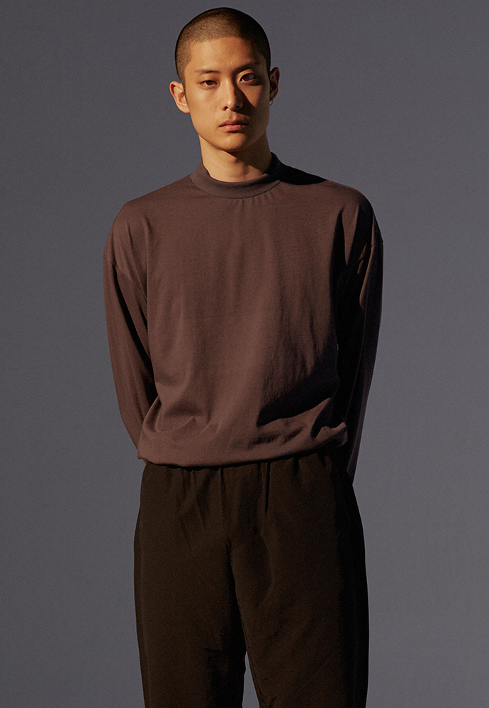 Signature Mock-Neck Long Sleeve_ Charcoal