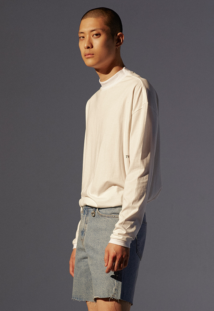 Signature Mock-Neck Long Sleeve_ Off White