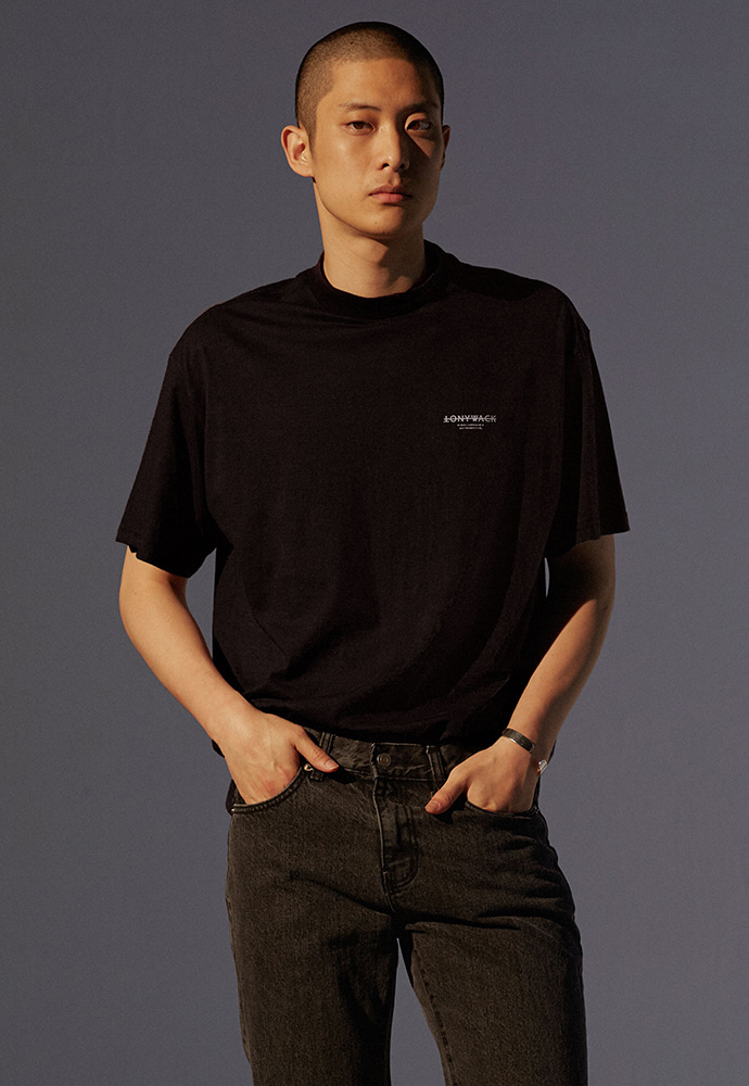 Dept. Mock-Neck T-Shirt_ Black