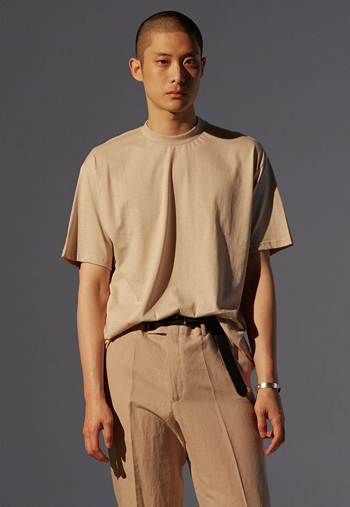 Signature Mock-Neck T-Shirt_ Sand