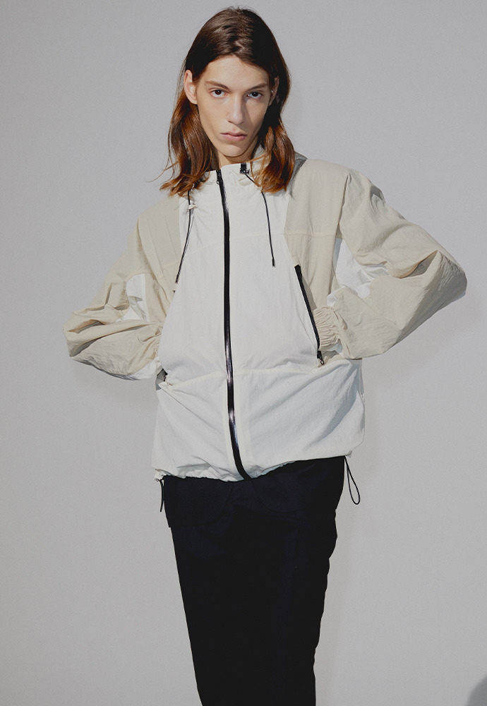 Contrasting Windbreaker_ Cream+Light Beige